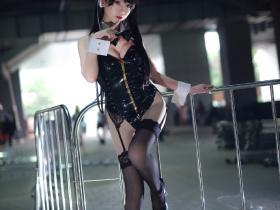 鳗鱼霏儿的黑丝高跟吊带袜Cosplay福利图片